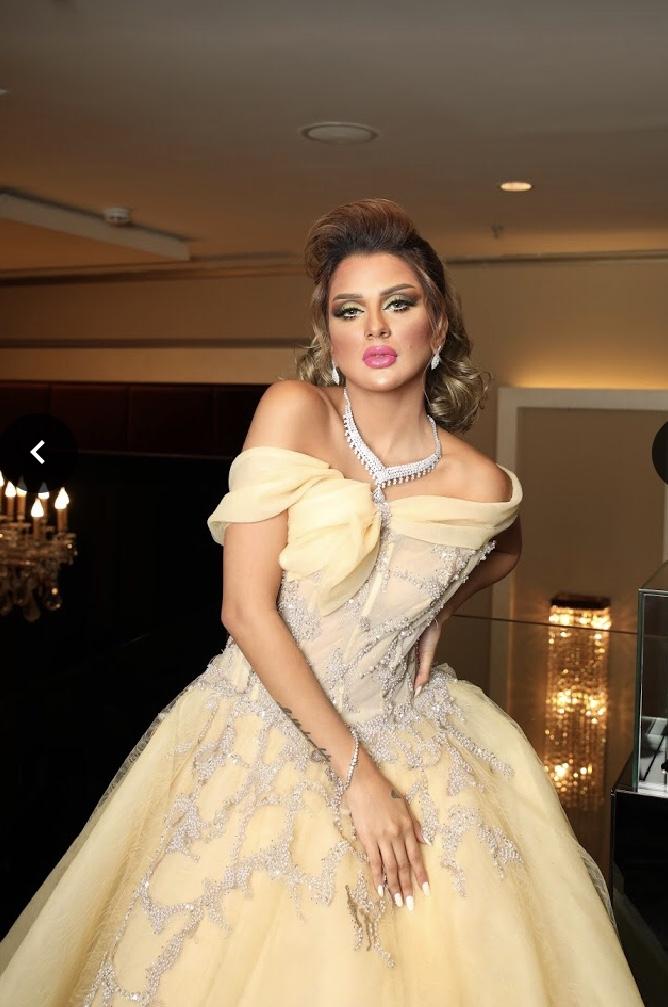 فستان ملكة ناعم